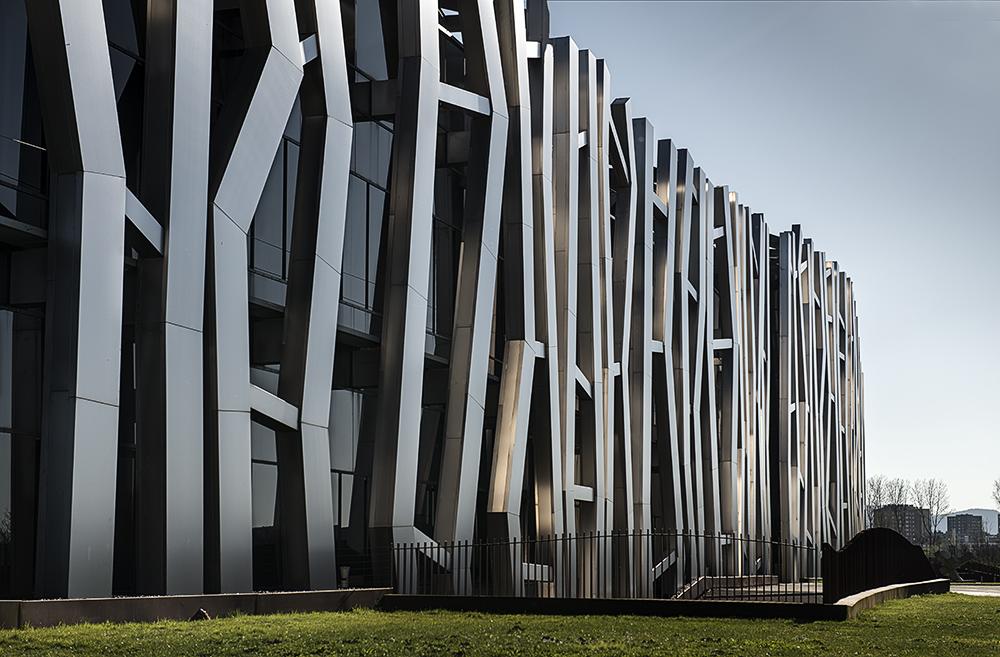 Fot grafo de interiorismo fot grafo de edificios interiores for Caja vital oficinas vitoria